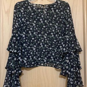 New Forever 21 0X Blue Floral Bell Sleeve Blouse